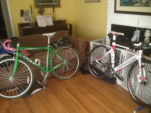 Bicycles make a messy living room look more interesting. Maybe?